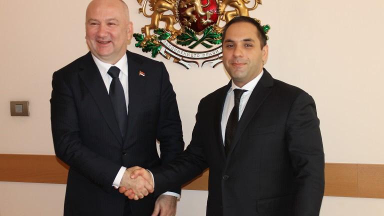 Подобряването на търговско-икономическите отношения между България и Сърбия обсъдиха министърът
