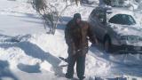 И 50 cent рине сняг пред блока
