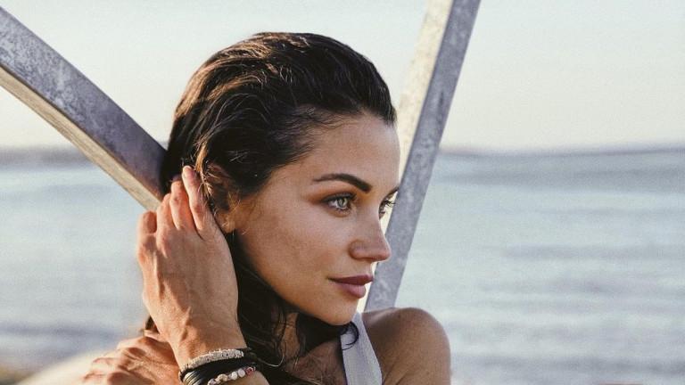 Диляна Попова - новата Анджелина Джоли