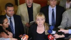Скандалът в БДЖ е заради сигнал до ДАНС за злоупотреби; Прокуратурата вкара Елена Йончева в източването на КТБ