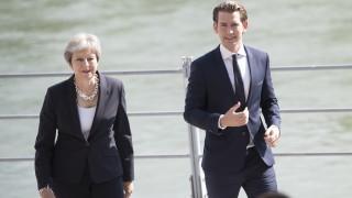Курц пред Мей: Австрия се стреми да избегне твърд Брекзит