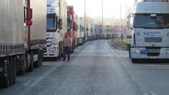 "Километрична опашка от тирове за влизане у нас през ""Дунав мост"" 2"