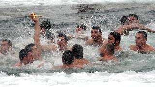 Ограничават броя на смелчаците, които ще спасяват кръста в София