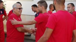 Футболистите на Кариана усилено си търсят нови отбори