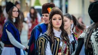 Българката е вишистка, първо ражда, а после се омъжва