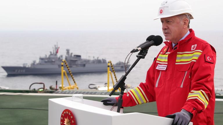 Ердоган отсече: Няма да искаме разрешение от САЩ за изпитанията на С-400