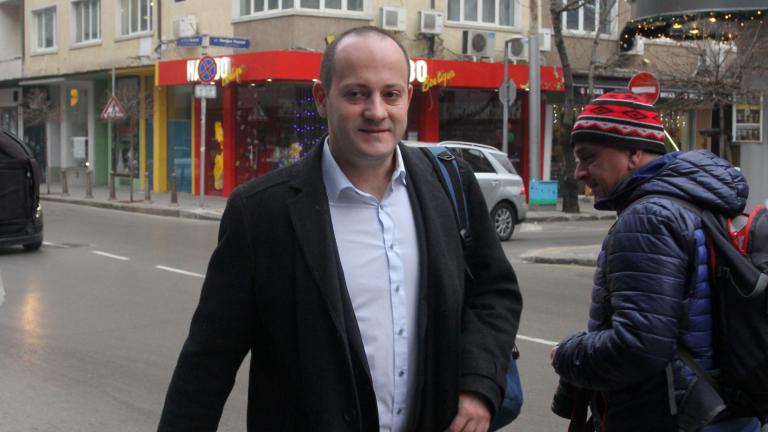 ГЕРБ отново ще се самосвалят, прогнозира Радан Кънев