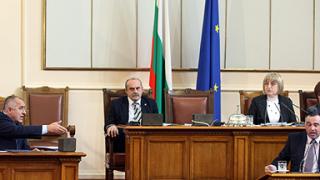 Премиерски гаджета сблъскани на парламентарния контрол