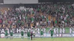 Фенове на Нефтохимик нападнаха футболистите