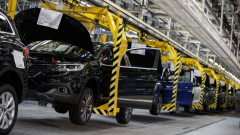 Продажбите на нови коли в Обединеното кралство се сринаха с 40% през март