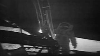 НАСА публикува видео от първото стъпване на Луната