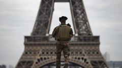 Още четирима ученици обвинени за убийството на френския учител