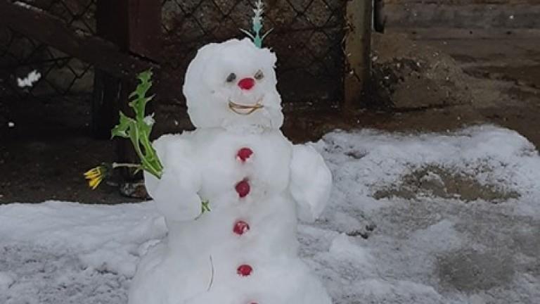 Лошото време над цяла България докара сняг на връх Мусала.