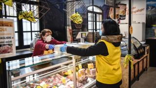 Европейските държави постепенно отпускат мерките, блокиращи икономиките