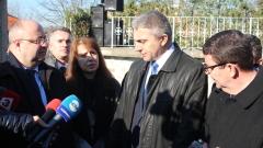 Въпрос на морал е Местан и отцепниците да напуснат парламента, убеден Карадайъ