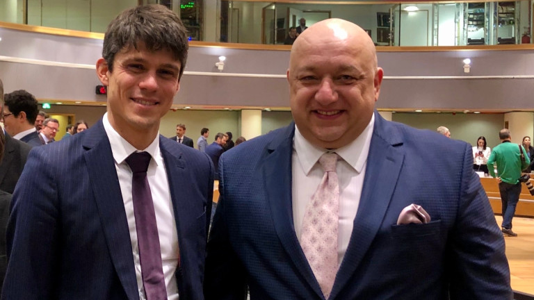 """Министър Кралев в Брюксел: Програмите на ЕС """"Еразъм+"""" и Европейски корпус за солидарност трябва да създават още повече възможности за младите хора"""