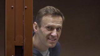 Навални обяви от затвора, че Русия започва три нови разследвания срещу него