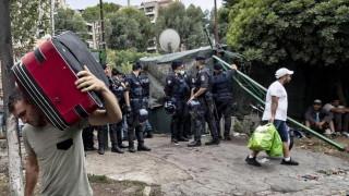 В Италия разгониха мигранти сред горящи барикади