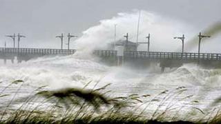 Евакуират туристи в Австралия, заради опасност от бури