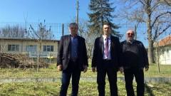 Водачът на АБВ в Добрич д-р Бекяров се ангажира с дома в с. Опанец