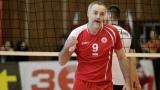 Ивайло Стефанов сменя болния Александър Попов за дербито с Добруджа