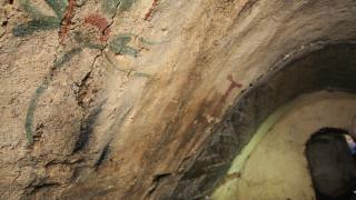 """Излагат стенописи от антична гробница на столичната ул. """"Московска"""""""