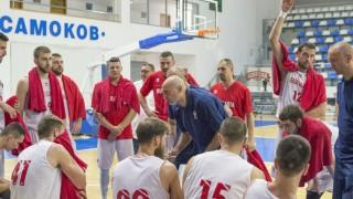 Без Александър Везенков и Дий Бост на световните квалификации