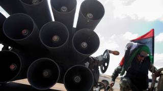 Обезвредиха стотици килограми експлозиви в Либия