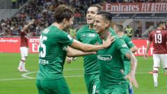 Милан продължава да затъва, падна и от Фиорентина