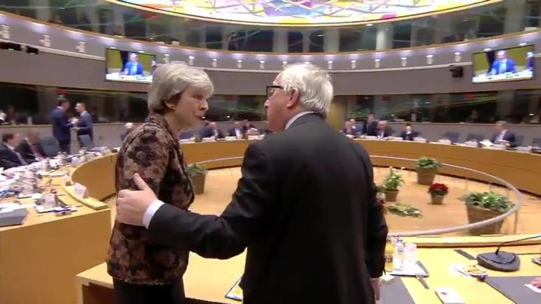 Премиерът на Великобритания Тереза Мей гневно се опълчи на председателя