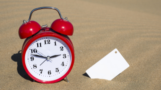 Преместихме часовника с час напред