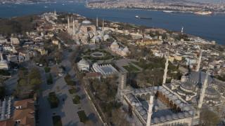 В Турция осъдиха на 8 г. и 9 месеца затвор служител на американското консулство