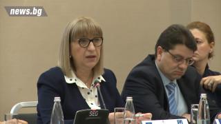 Нямаме ефективно законодателство за преследване и дебнене, призна Цачева
