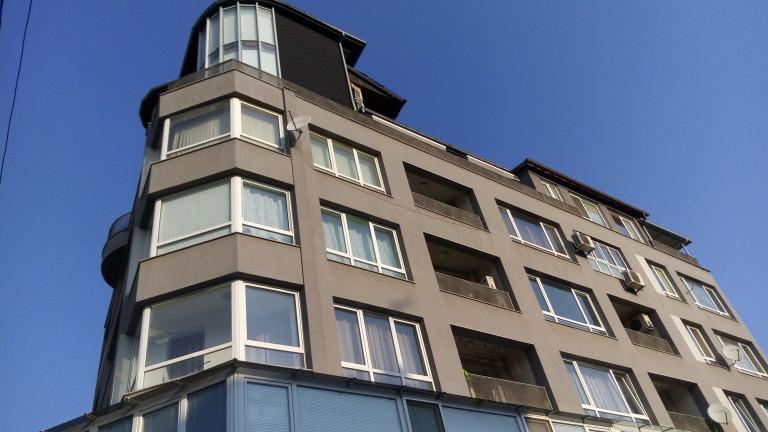 Камарата на архитектите скандализирана заради терасата на шефа на КПКОНПИ