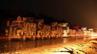 Турция изпрати в Идлиб още 150 БТР-а и самоходни оръдия