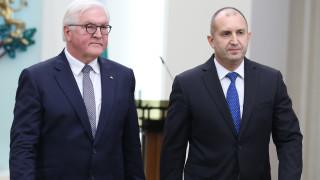 Президентът свали доверието си от шефа на Антикорупцията
