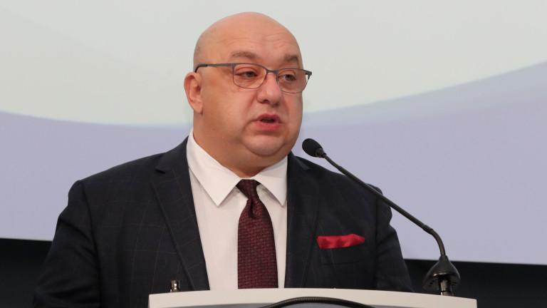 Министър Кралев разтревожен от бездействието на Данчо Лазаров