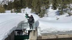 Екоминистърът провери дали три язовира са готови за снеготопенето