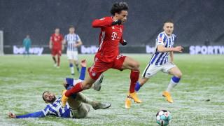 Дори и пропусната дузпа от Левандовски, не спря Байерн от успех в снежен Берлин