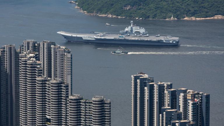 Китайският флот показва сила на учение в Южнокитайско море