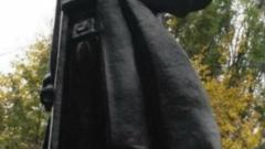 Одески художник превърна паметник на Ленин в Дарт Вейдър