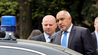 Борисов нареди на НСО да върне на горските скъпите джипове