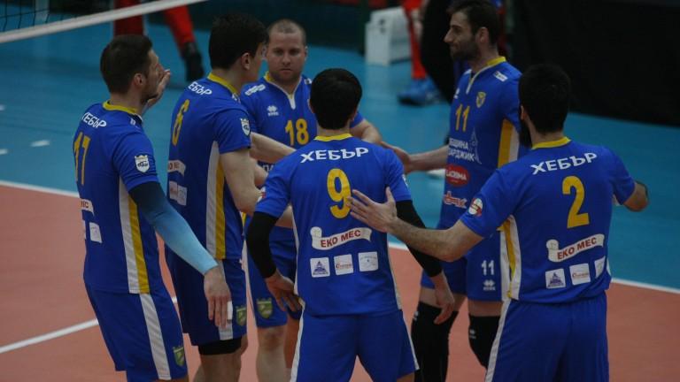 Волейболистите на Хебър обърнаха ЦСКА в контролен мач