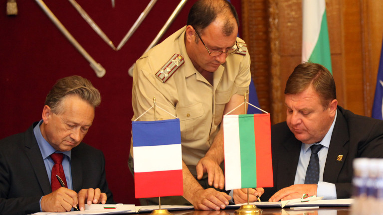 Военният министър Красимир Каракачанов и вицепрезидентът на
