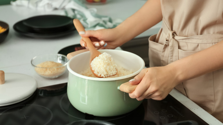 Оризът е от онези храни, които изглеждат много прости за