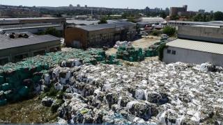 Бобокови заровили у нас над 17 000 тона боклуци чрез фиктивни дружества