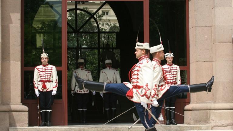 Логично било Радев да се кандидатира за втори мандат, Борисов за президент - не