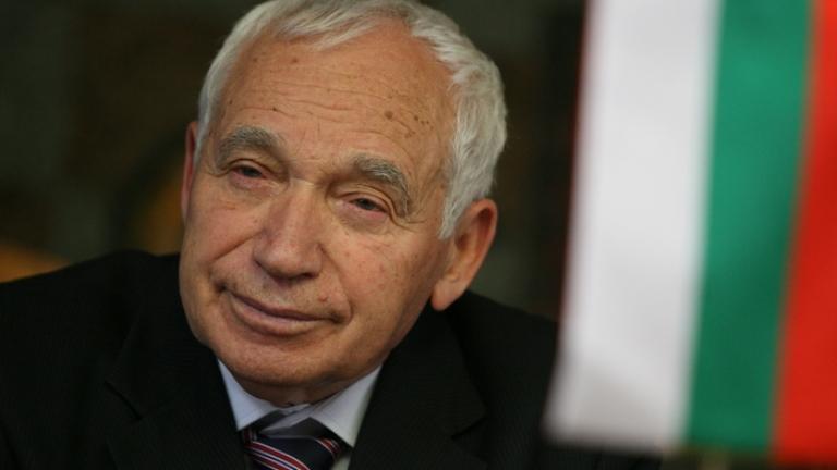 От РС Македония награждават посмъртно Желю Желев за признаването на държавата им