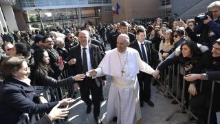 Папа Франциск е поклонник на надеждата и мира в Колумбия