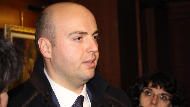Шефът на НЕК влиза в ръководството на Българския енергиен холдинг